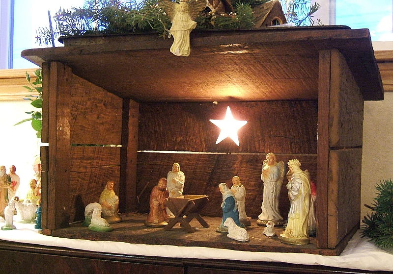 My Parents Nativity Set Was Almost Entirely Dime Store Plaster Figures In A Stable
