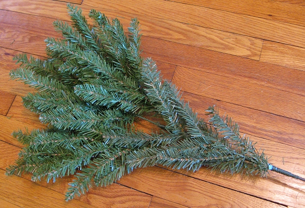 Artificial Christmas Tree Branches.Faux Fir Making Artificial Trees Look Less Artificial